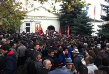 protesta veteranet rektori